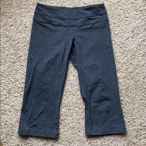 Lucy powermax cropped yoga pants, size small
